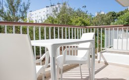 Terraza 2 Standard 1-Bedroom Apartment Bloc Garden - A1S